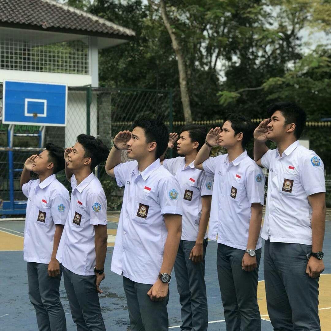 Hormat Grak Fotografi Remaja Fotografi Teman Gaya Rambut Bergelombang