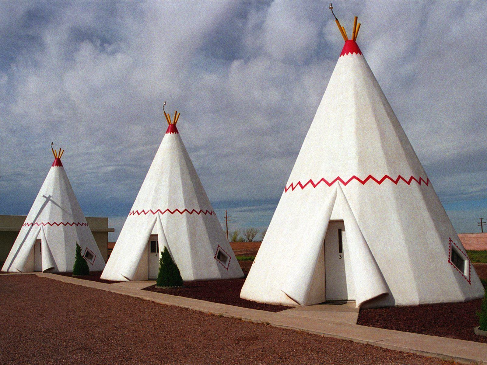 wigwam motel in holbrook az in the arid arizona desert. Black Bedroom Furniture Sets. Home Design Ideas