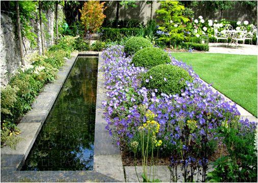 Garden Visit At Home With June Blake In Ireland S County Wicklow Gardenista Garden Visits Beautiful Gardens Garden