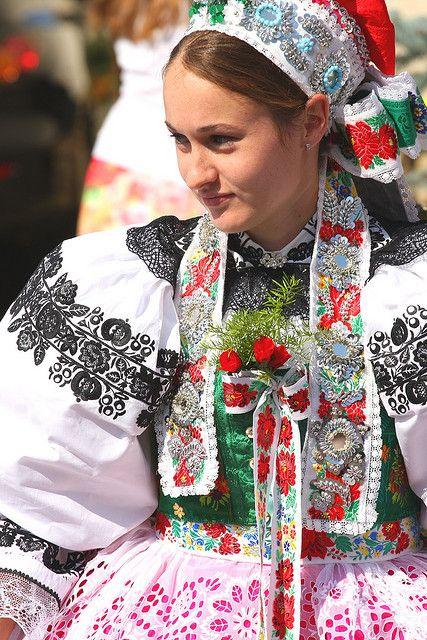 мама фото в трафарете народного костюма чехии художній пензель подовженим
