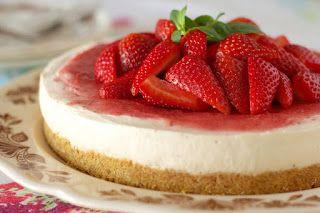 تشيز كيك الفراوله بالجلي والمارشملو طبقه البسكويت 1 باكيت بسكويت دايجستف 1 اصبع زبده 100 غم نفتفت ال Cheesecake Recipes Raw Cheesecake Cheesecake