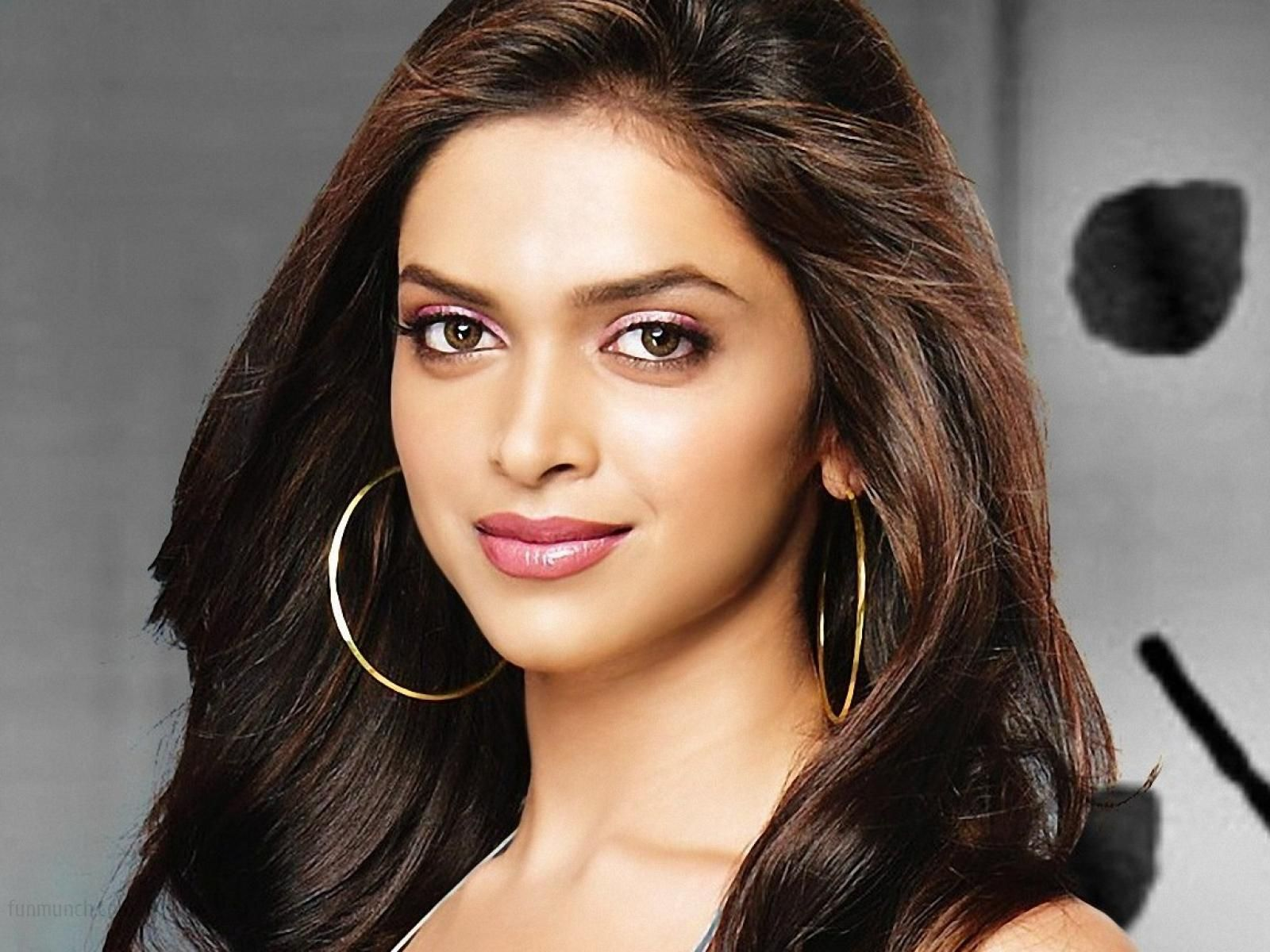 Индийские актеры и актрисы фото с именами напоминают