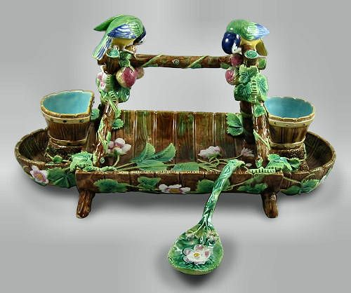 English Majolica Strawberry Server with Spoon. Decorated with Birds, Strawberry Plants, Berries and Flowers. Circa Late 19th Century.