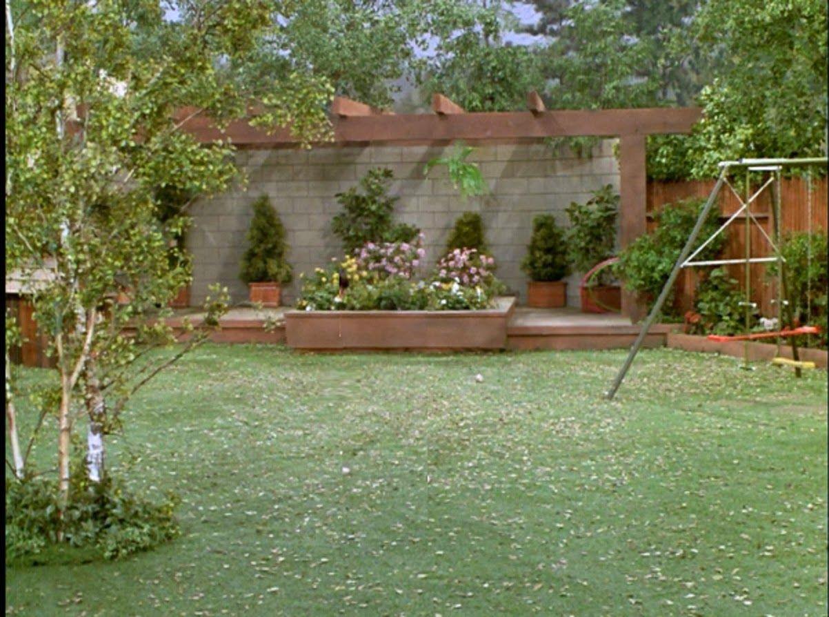 Brady Bunch Backyard