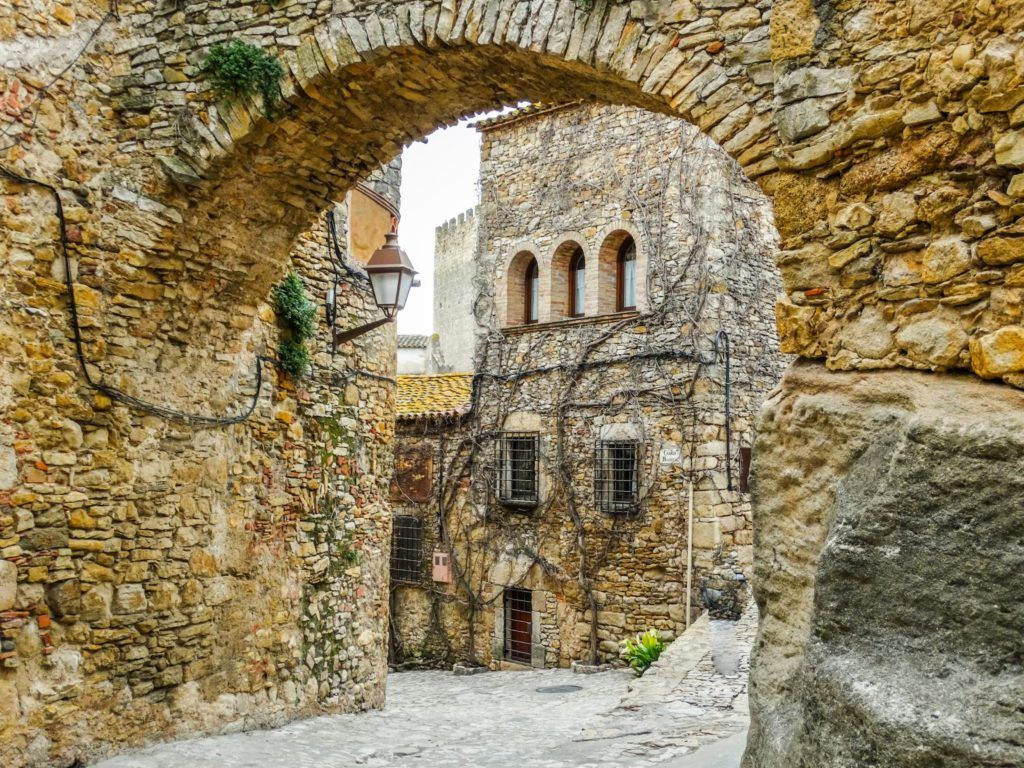 Where Should I Learn Spanish in Spain? - TripSavvy
