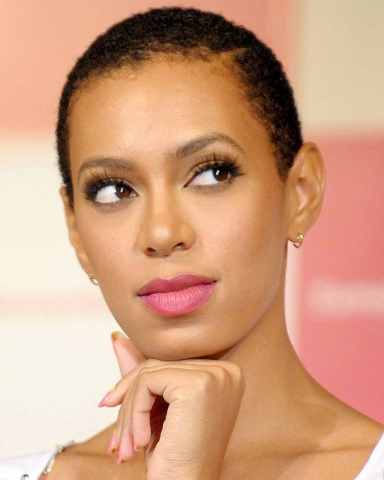 solange knowles buzz cut shot hair pinterest prominente frauen frisur und frau. Black Bedroom Furniture Sets. Home Design Ideas