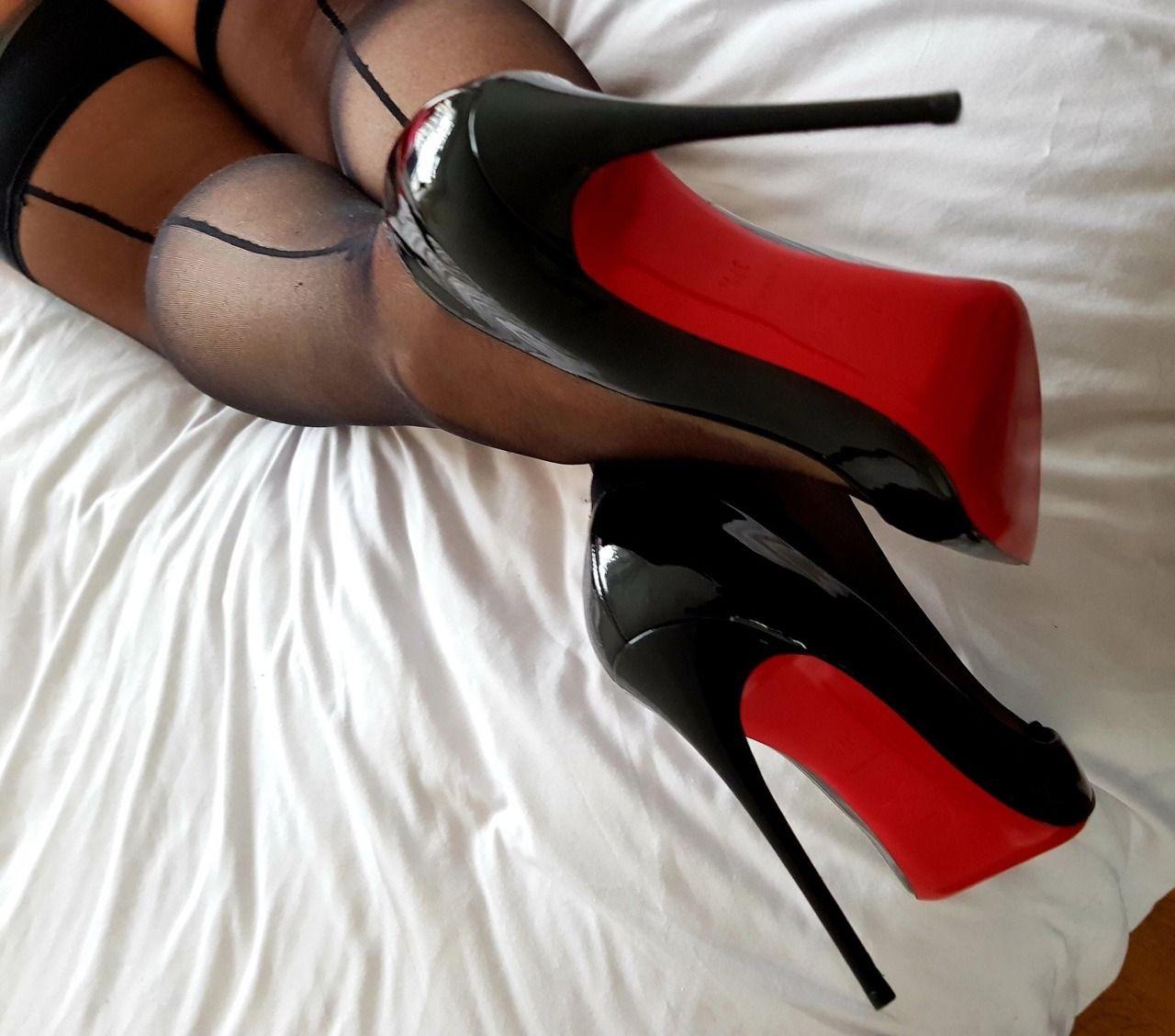 Картинки чулки туфли