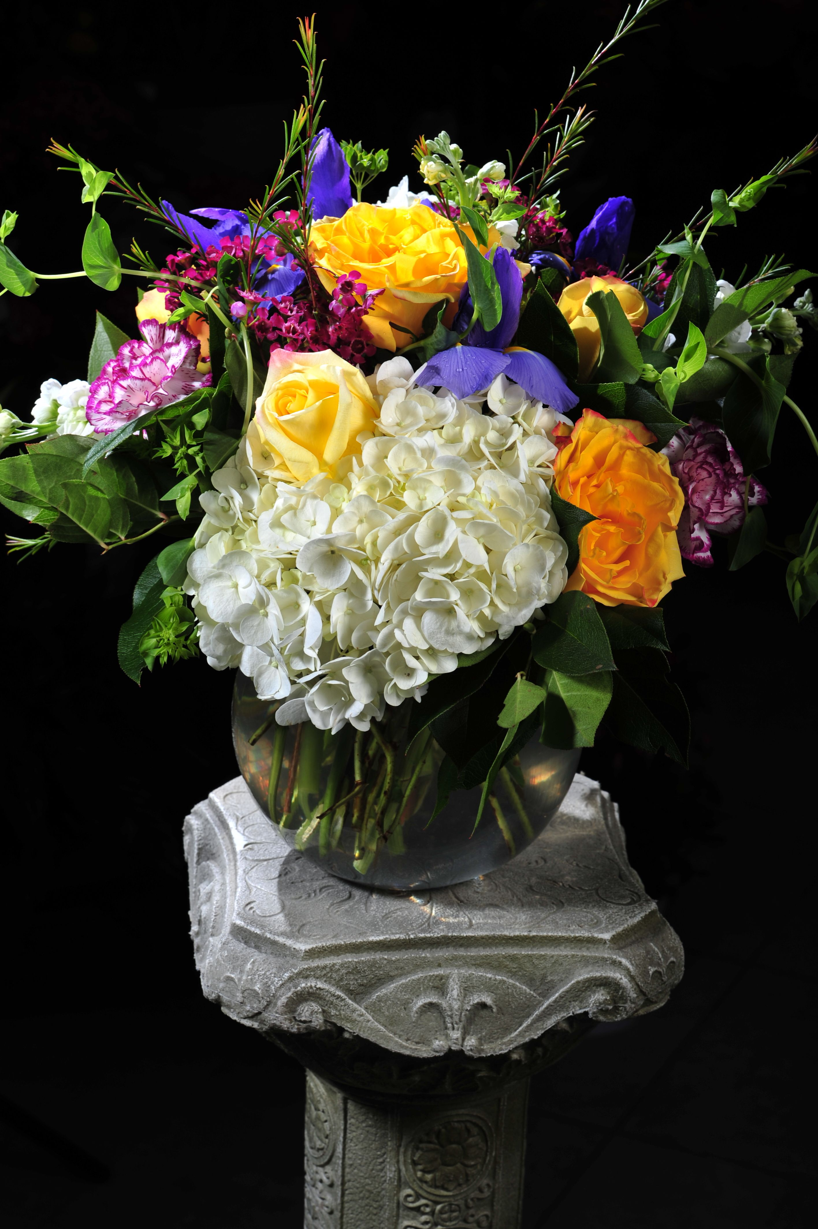 Hydrangea. Roses. Iris. Carnations and more!