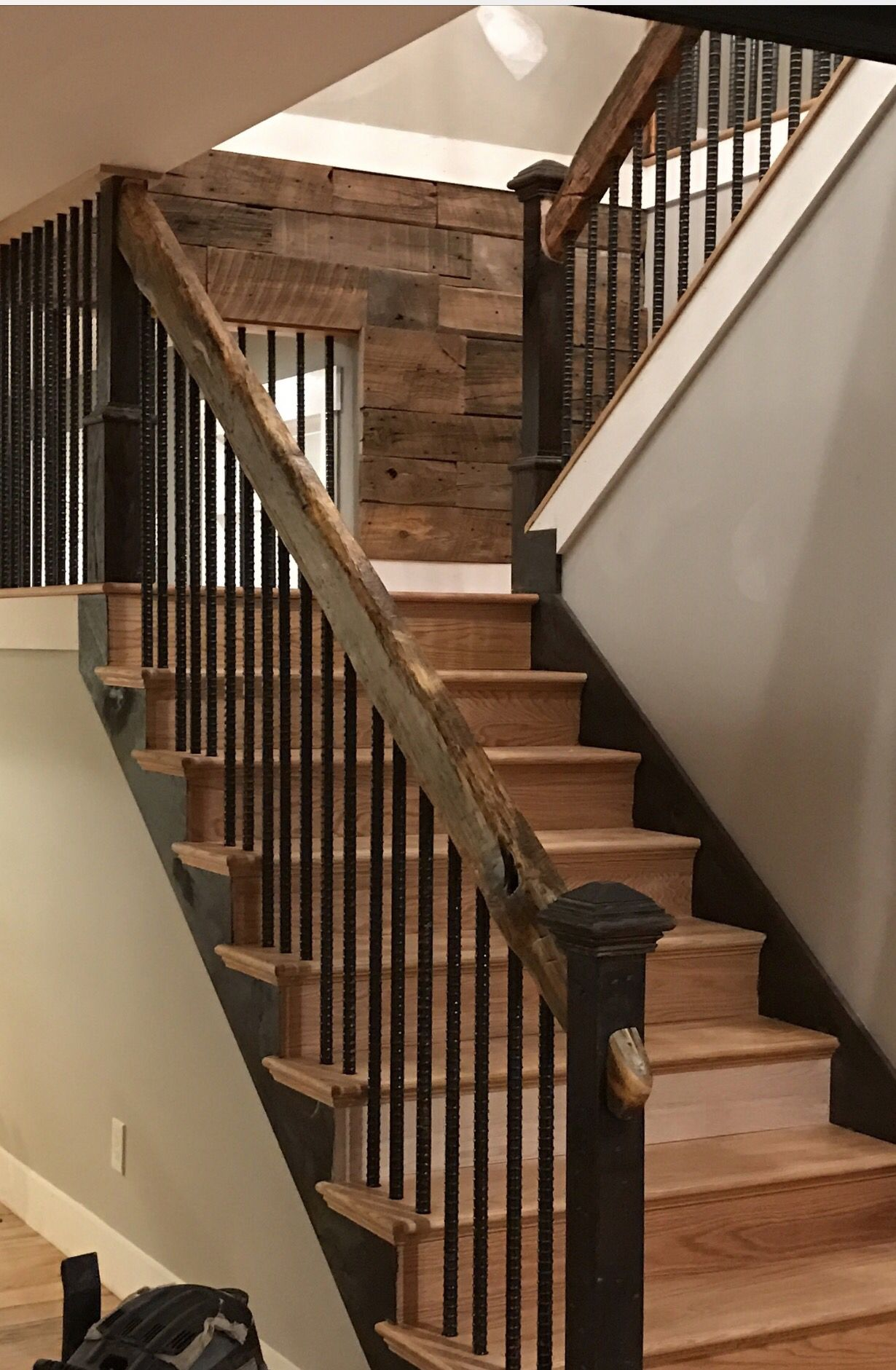 rustic staircase staircase in 2019 pinterest id es. Black Bedroom Furniture Sets. Home Design Ideas