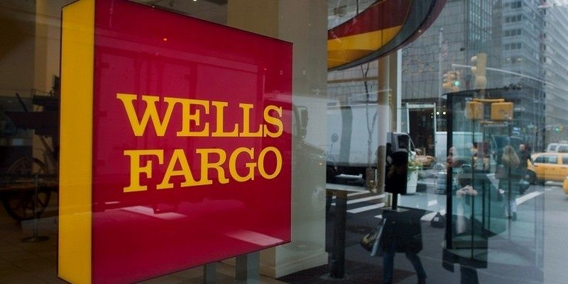 Wells Fargo Bank Teller Shes A Good Person Who Elected To Defend