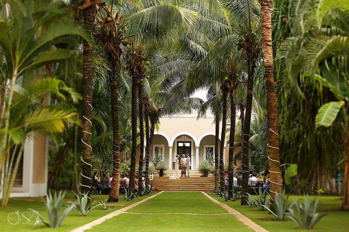Beach Wedding Ceremony Oahu: Caribbean Villa Hacienda Del Mar Garden Wedding