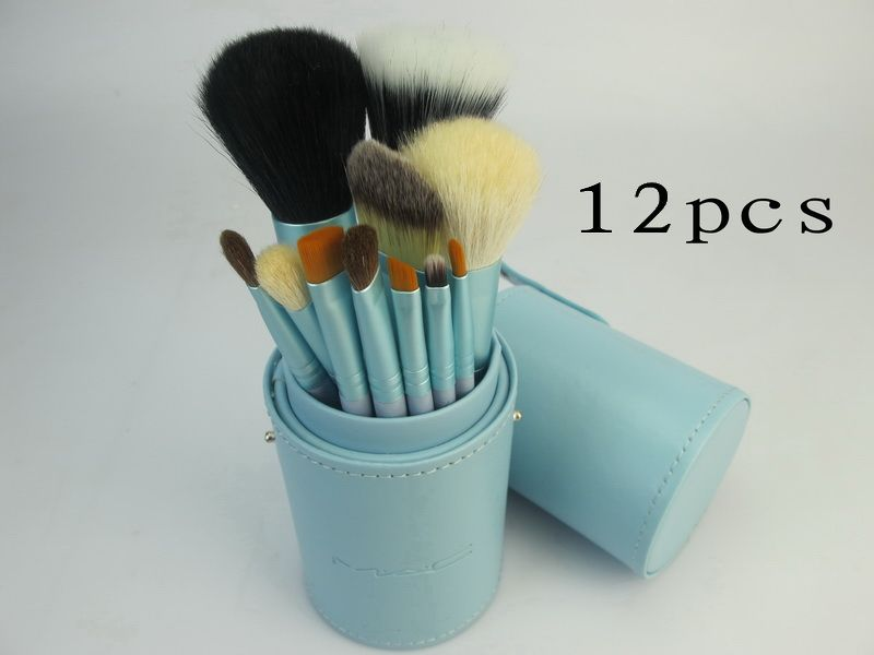 Mac Professional Brushes Set With 12 Pieces Light Blue And Barrel
