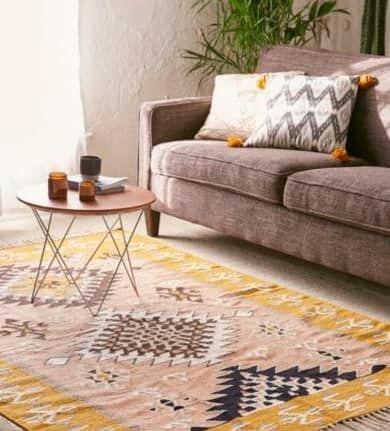 A conjunto si tienes un sal n decorado en tonos neutros introduce pinceladas de color con ayuda - Muebles marroquies en madrid ...