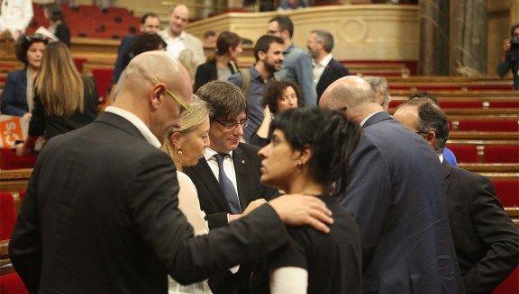 Puigdemont planifica convocar la cimera pel referèndum durant lúltima setmana de lany