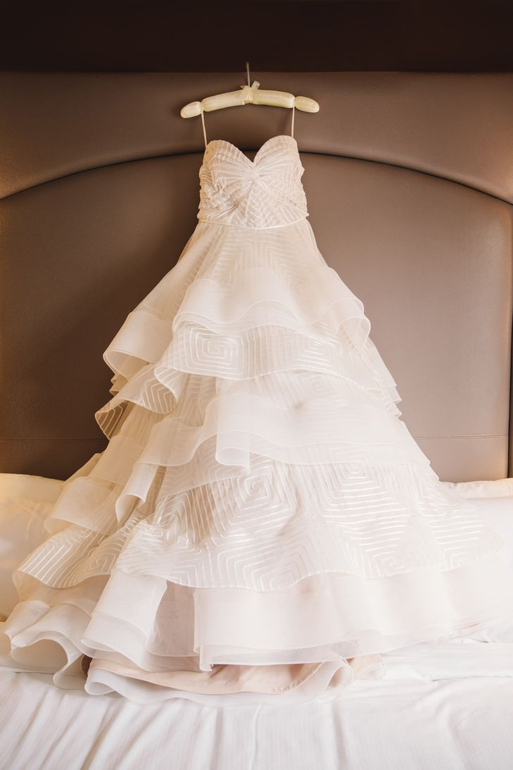 Hayley paige dori wedding dress  Tendance Robe du mariage   Geometric Hayley Paige Bridal