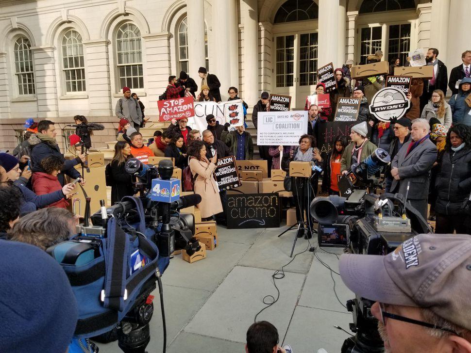 Amazon Kills New York City Headquarters Plan But Keeps Hq2 In