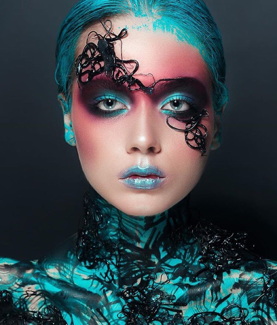 фото креативного макияжа рисунком поклонники