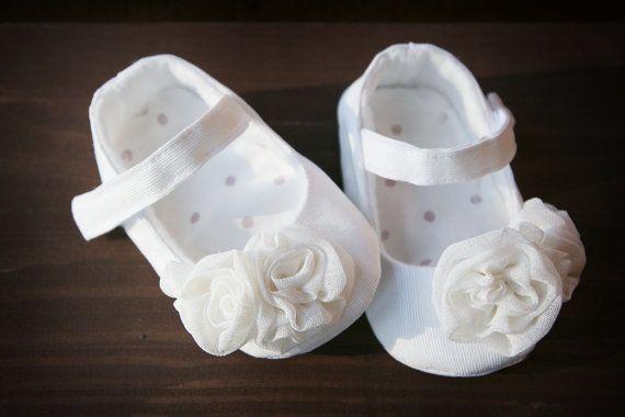 ed7fe73e112e Cream white baby shoes
