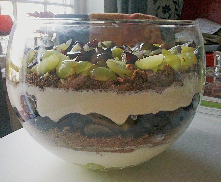 schichtdessert mit weintrauben sweets pinterest schichtdessert tolle rezepte und desserts. Black Bedroom Furniture Sets. Home Design Ideas