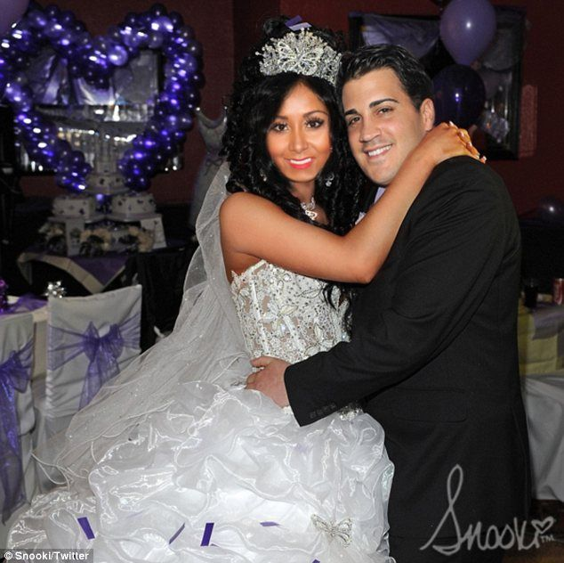 My Big Fat Jersey Shore Wedding! Snooki shares picture of marriage to  Jionni... but it's just a prank