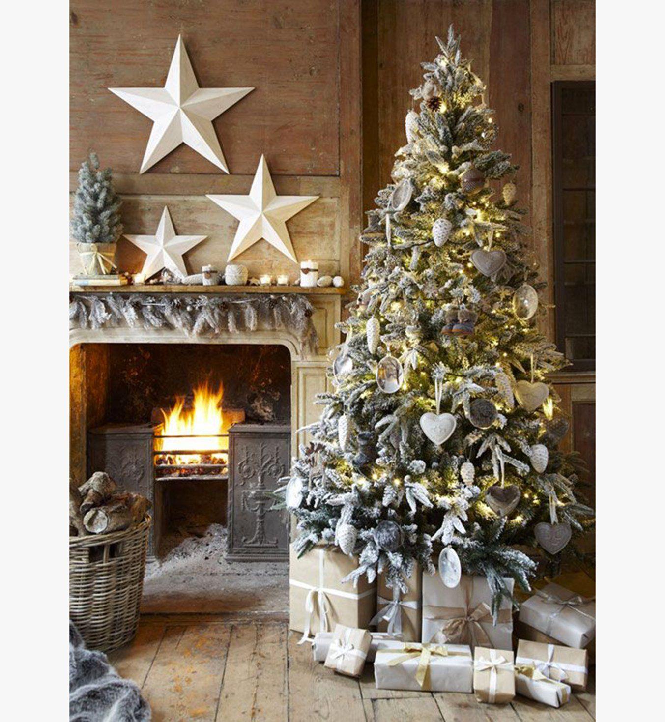 Déco de Noël : un intérieur blanc boisé