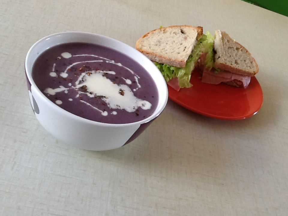 Violet cauliflower soup and small sandwiches for lunch - by lulu
