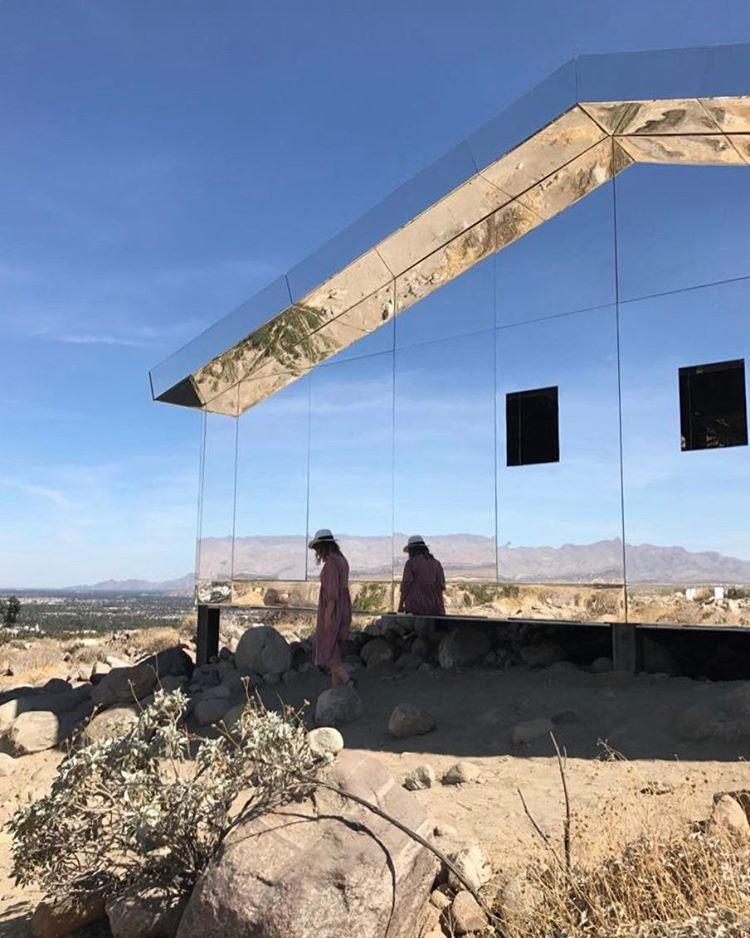 damn beautiful mirror house in the desert in palm springs rh pinterest com mirror house palm springs ca mirror house palm springs address