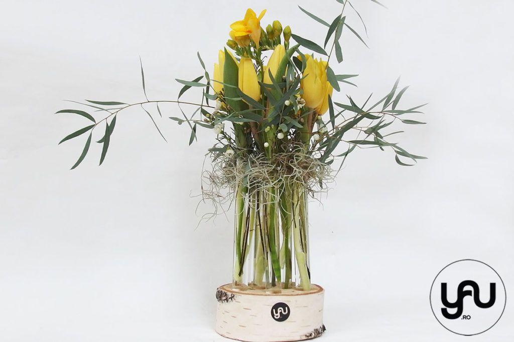 Aranjament Floral Lalele Si Frezii In Suport Din Mesteacan Tulipe