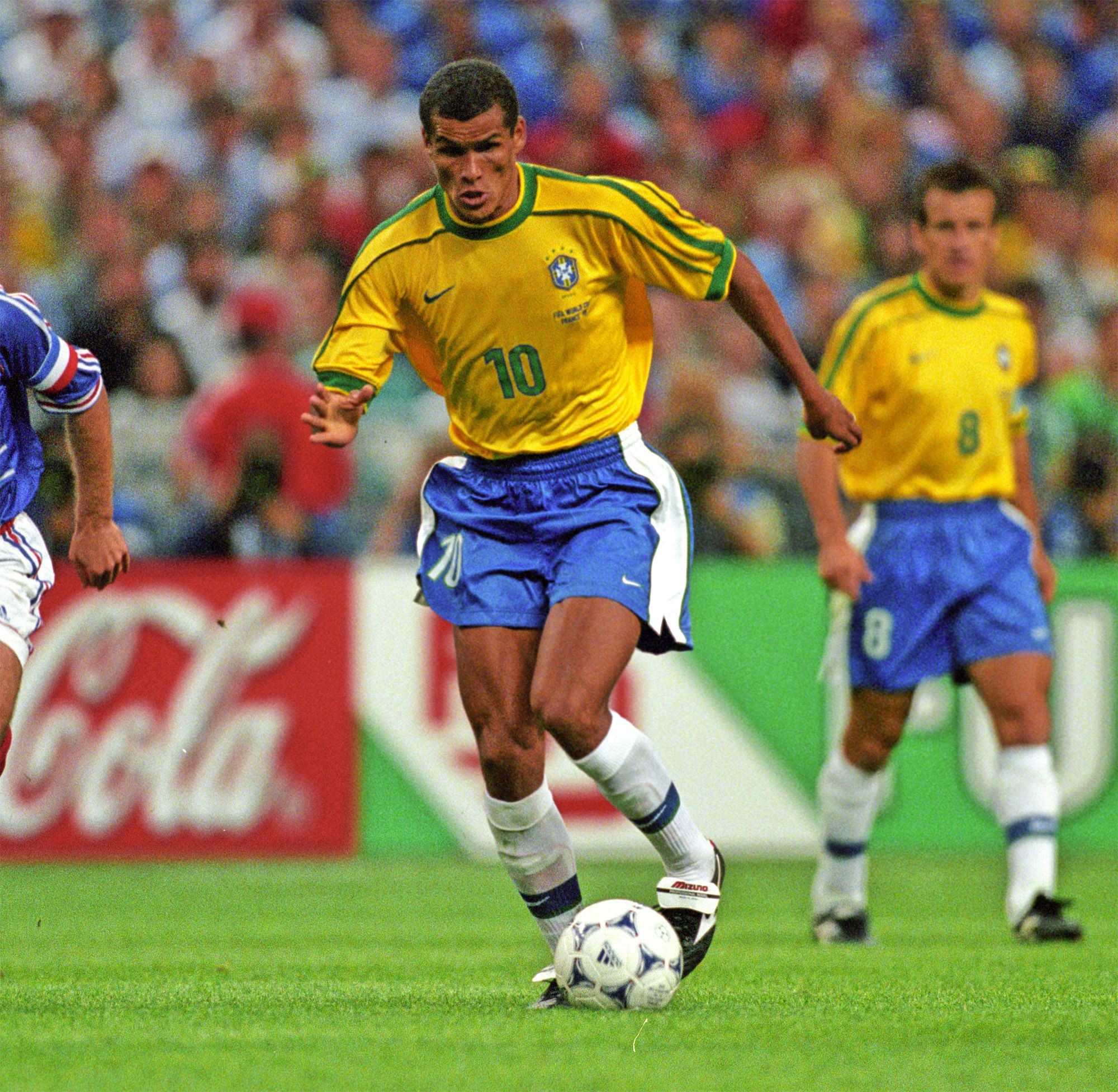 Rivaldo Of Brazil In Action At The 1998 World Cup Finals Rivaldo World Cup Final Ronaldinho Gaucho