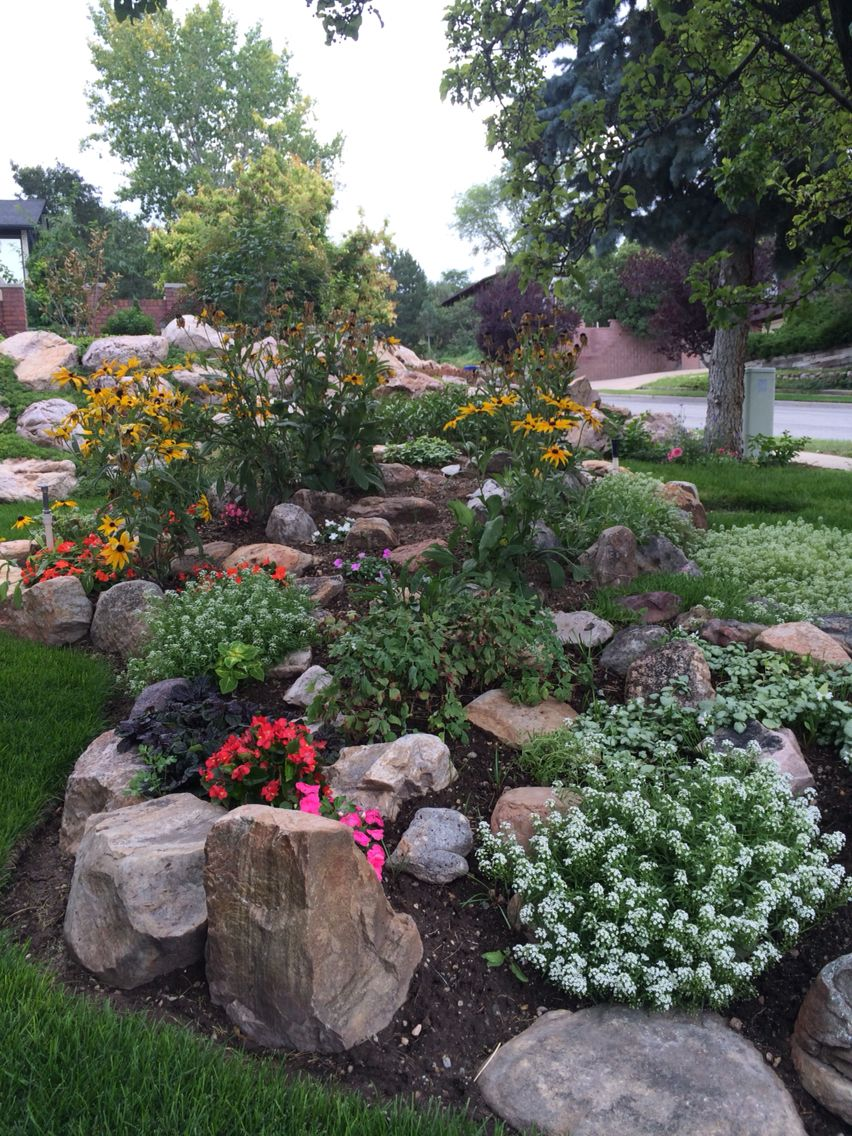 My Brother In Laws Garden Bountiful Utah Rock Garden Design Front Yard Landscaping Design Rock Garden Landscaping