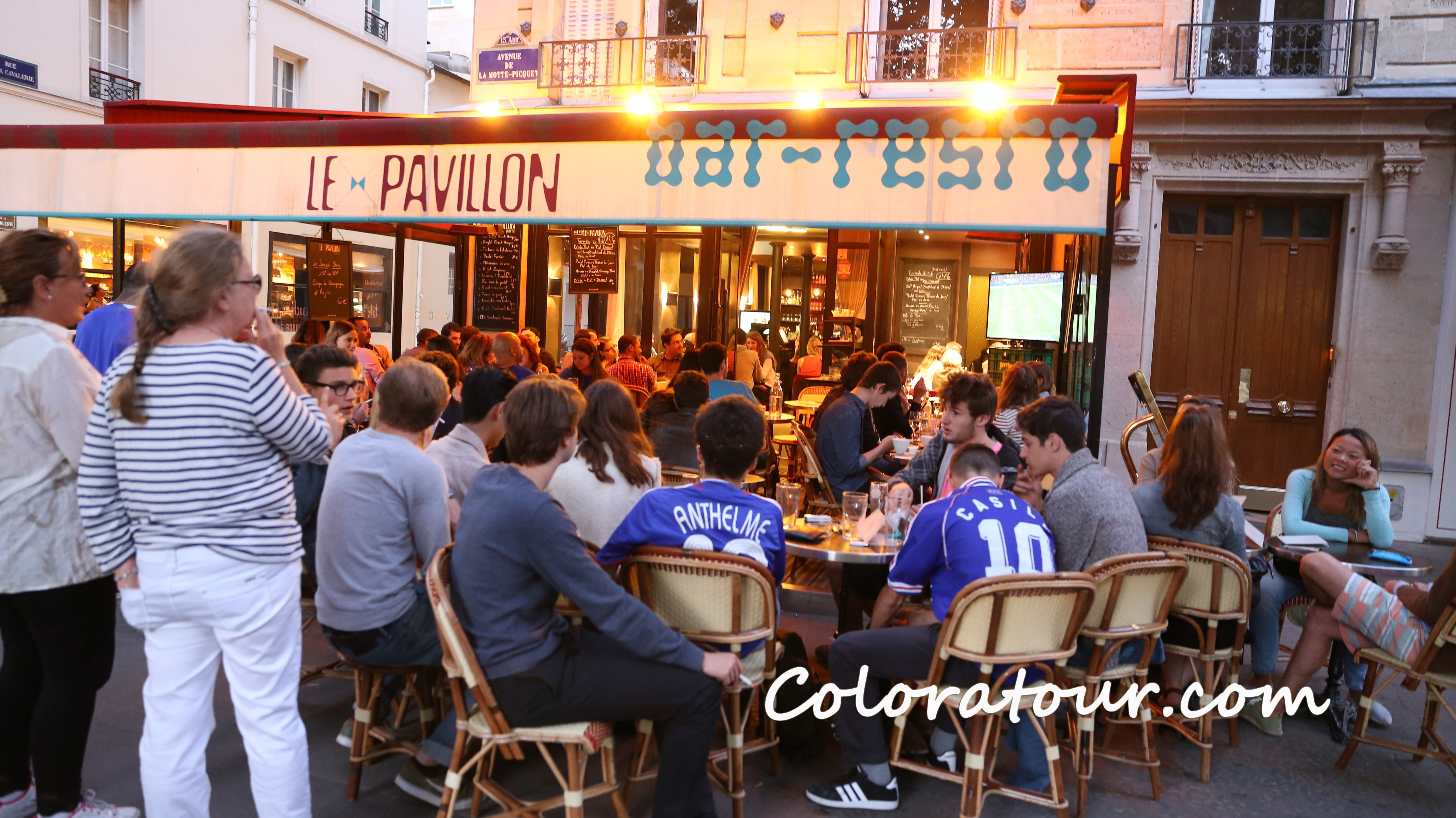 French soccer fans at a Café