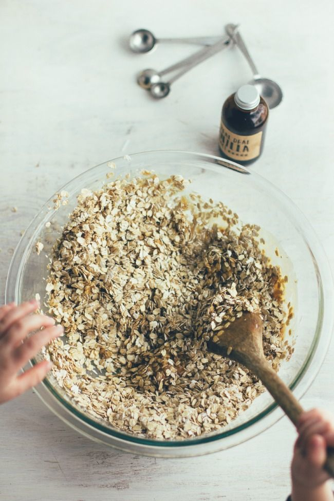 peanut butter granola with cacao nibs and bittersweet granola | the vanilla bean blog