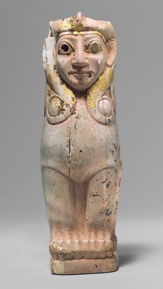 Apoyo Muebles: esfinge femenina con rizos al estilo de Hathor ...