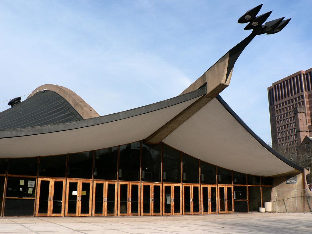 Gallery of AD Classics: David S. Ingalls Skating Rink / Eero Saarinen - 4