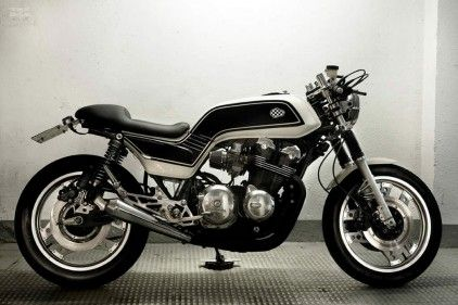 1983 CB 900