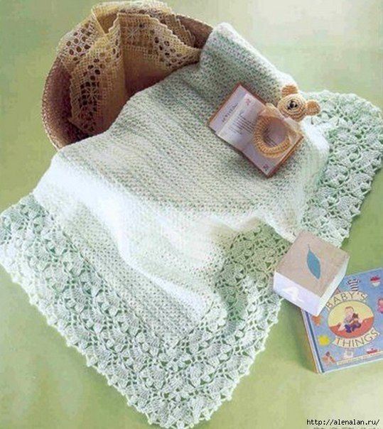 Mantilla de bebé en crochet y delicada puntilla | COBIJITAS EN ...