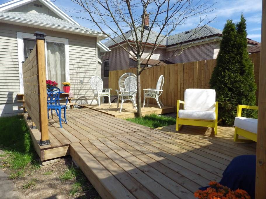 Blue Lily Cottage Guesthouses for Rent in Niagara Falls