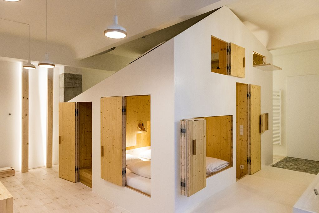 michelberger hotel warschauer str 39 40 berlin 10243 an der warschauer strasse gelegen. Black Bedroom Furniture Sets. Home Design Ideas
