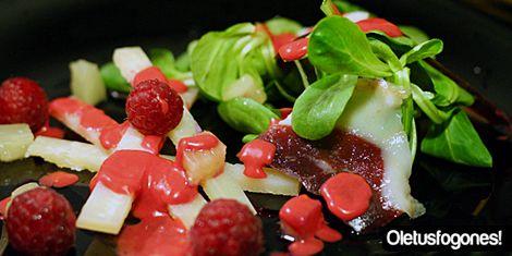 @OleTusFogones Ensalada de canónigos con jamón de pato a la vinagreta de frambuesas.