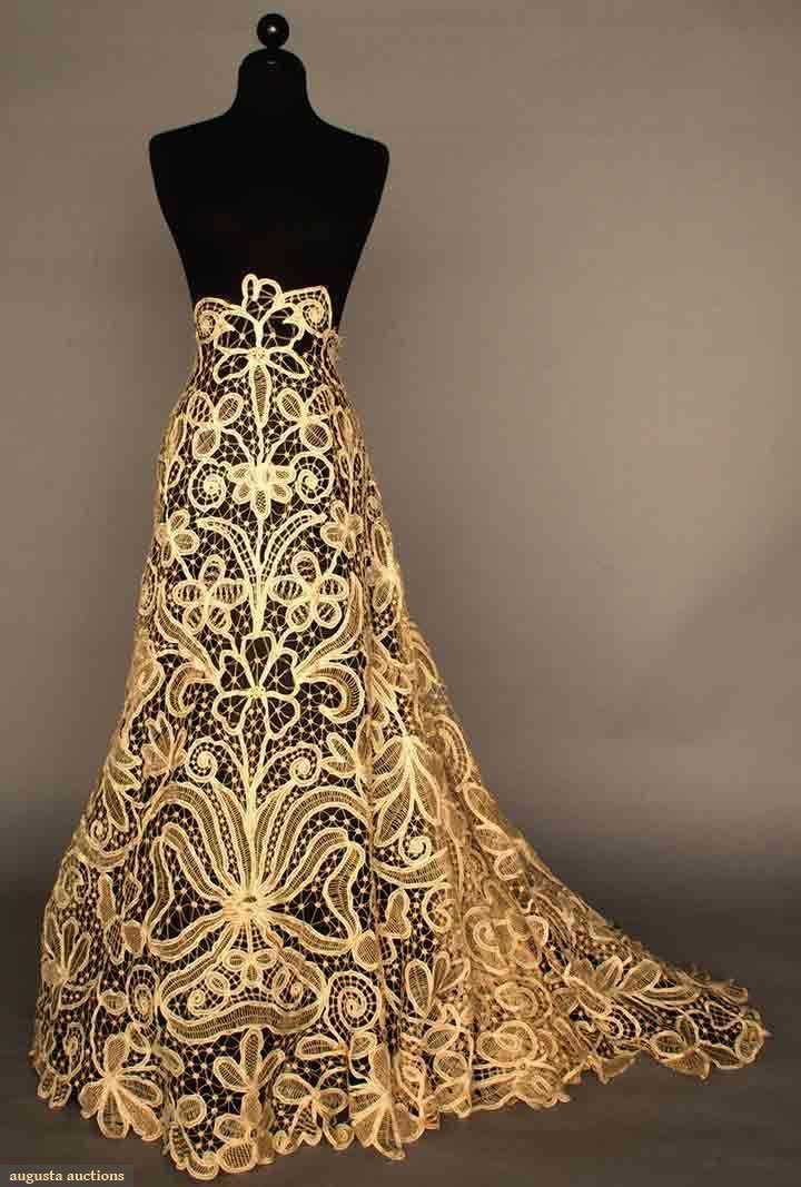 BATTENBURG LACE SKIRT, c. 1910 Ecru cotton tape lace, hand assembled, bold design pattern of scrolls & flowers, (unfinished/unsized waist)