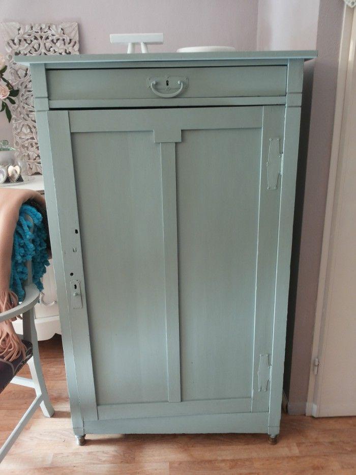 Oude Meidenkast Geschilderd In Oud Groen Annie Sloan Verf