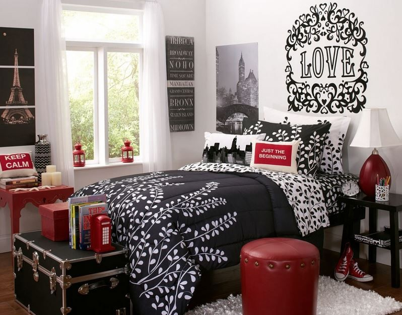 A Paris inspired bedroom decor idea with back and white and red decor Teen bedroom Paris french theme decor