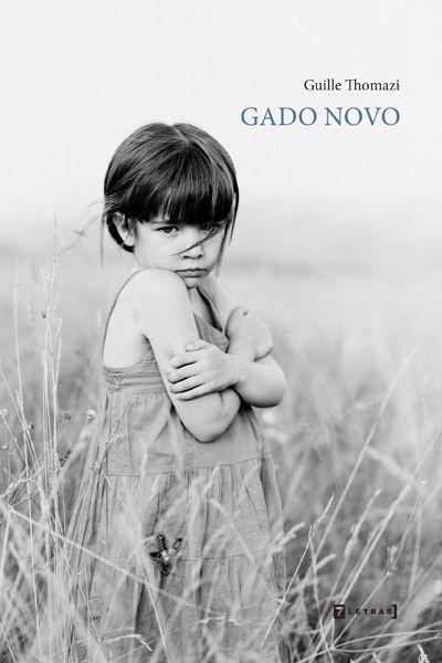 Gado novo, romanzo d'esordio di Guille Thomazi (Brasile). Un delitto atroce nel racconto di cinque voci narranti sullo sfondo di un Brasile in fiamme.