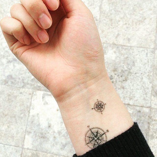 30 Schicke Kleine Tattoos Für Euer Handgelenk Tattoo Pinterest
