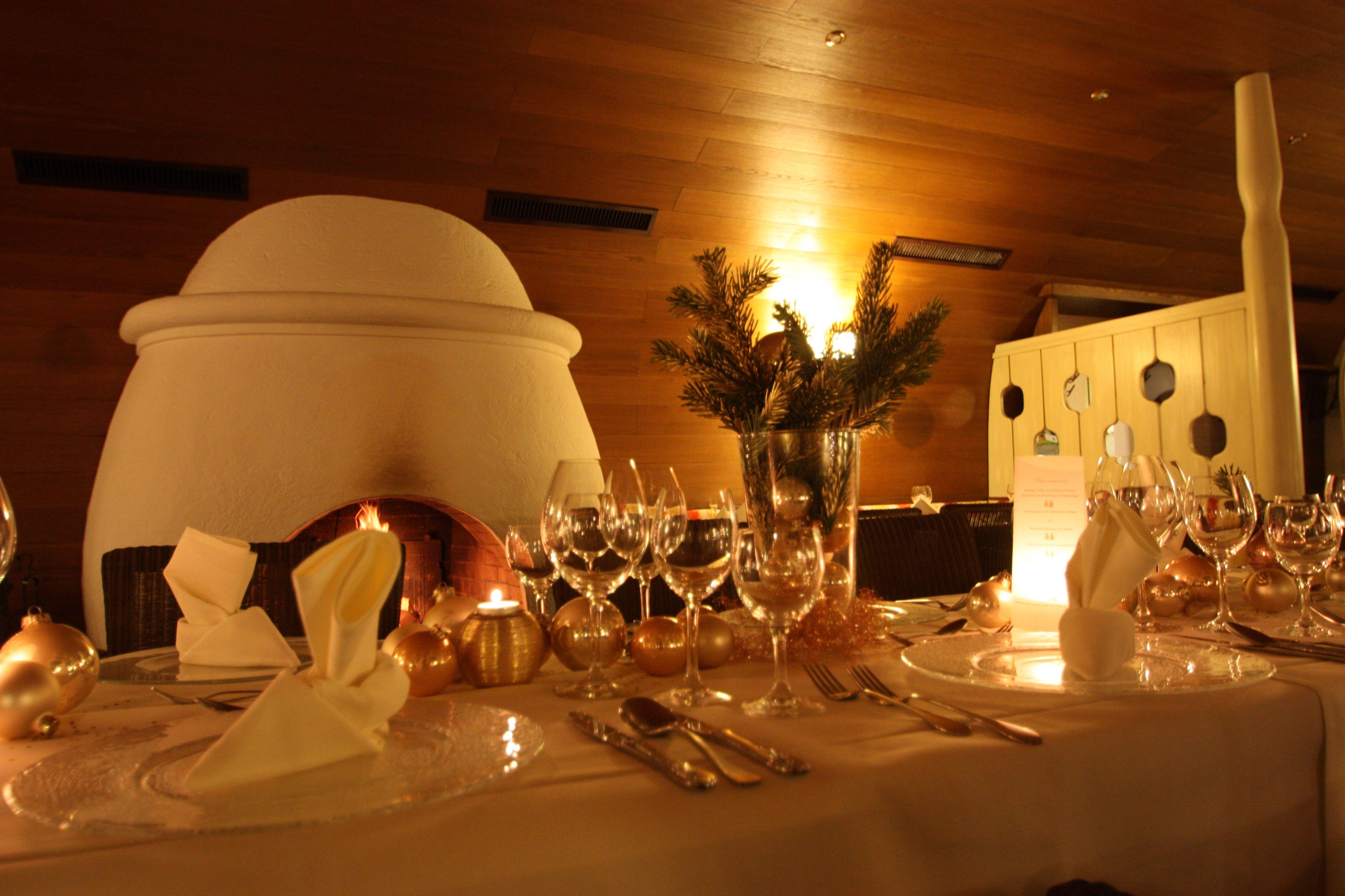 Weihnachtstisch im Kaminzimmer im Seehaus, Riessersee