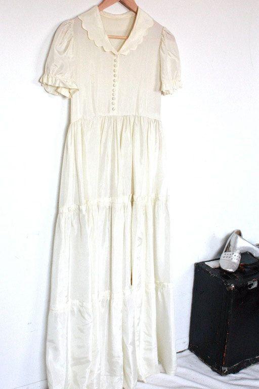 Darling Vintage 1930s / 40s Creamy White Girlish Wedding Dress ...