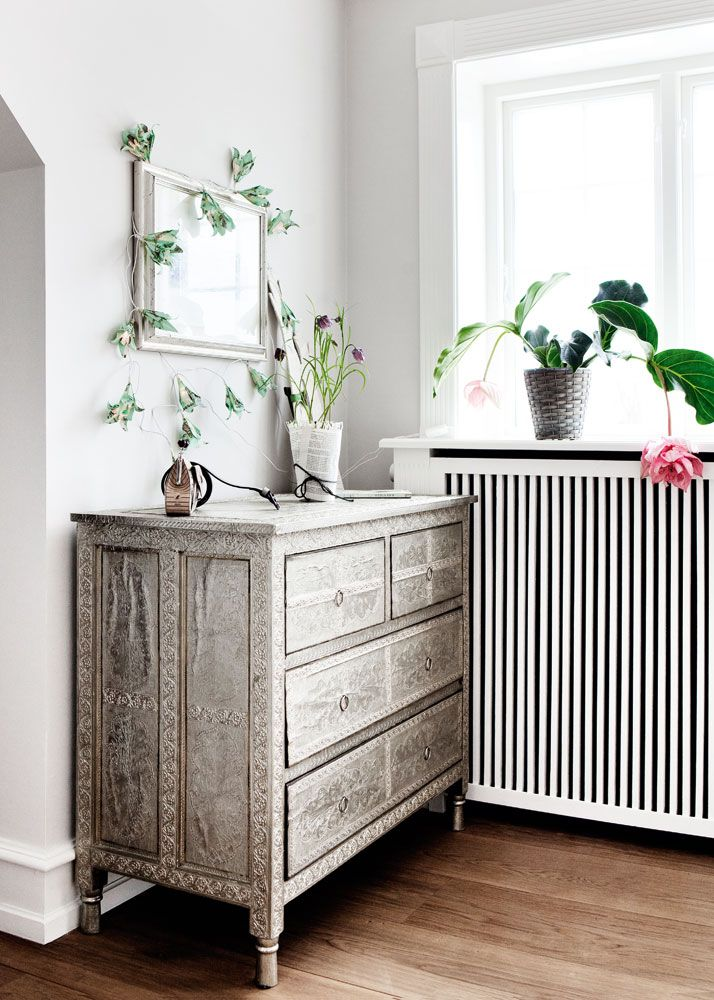 commode la chambre coucher pinterest belle plante dominique et commodes. Black Bedroom Furniture Sets. Home Design Ideas