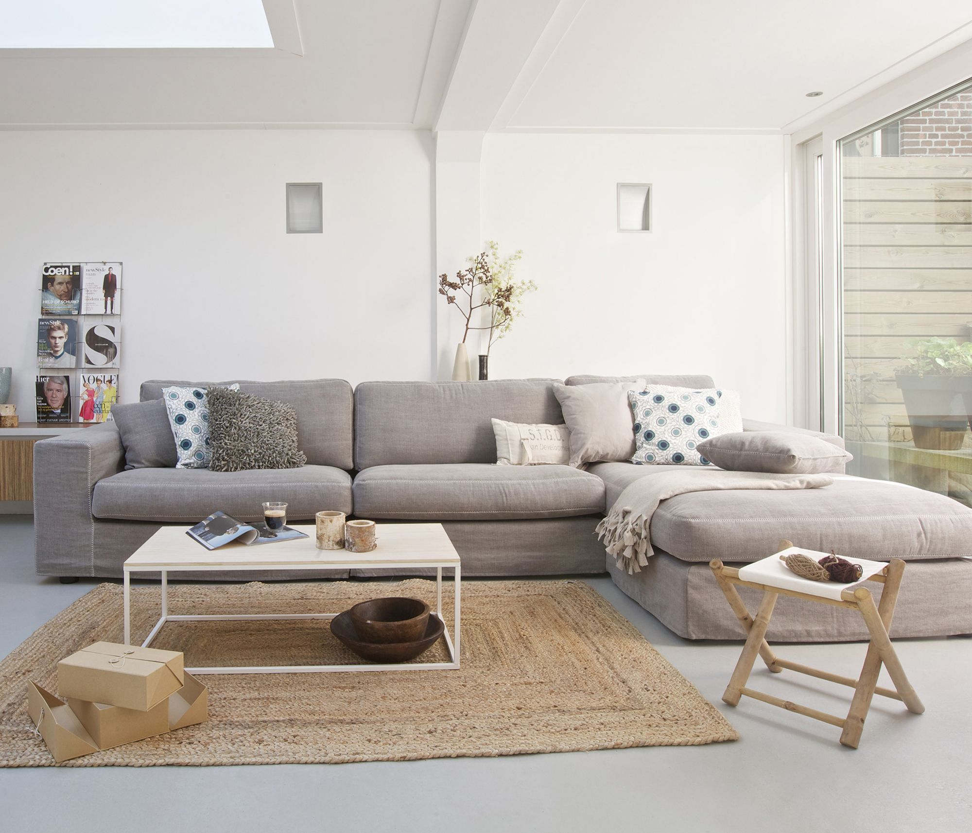 Grijze loungebank huisje pinterest living rooms and interiors - Grijze lounge taupe ...