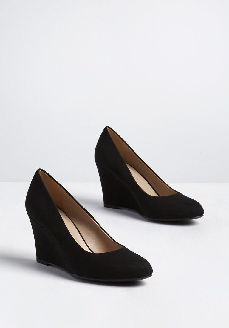 The Final Touch Wedge Heel In 8 5 Picked From Modcloth Your Ensemble Isn T Complete Until You Finally Slip Yo Black Heels Wedges Wedge Heels Black Wedge Shoes [ 1097 x 768 Pixel ]