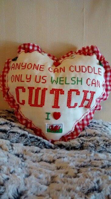 Cwtch Cushion
